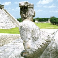Mexico_Yucatan_SECTUR_Chichen-itza_Pyramid-and-chacmol Contours Travel