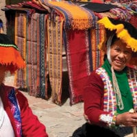 Women weaving in Cuzco Peru Diego Curutchet Contours Travel